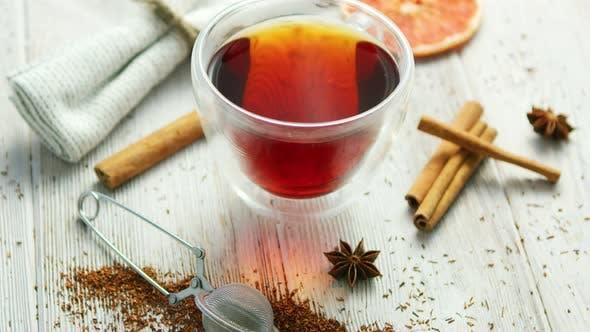 Glas Tasse Schwarzer Tee