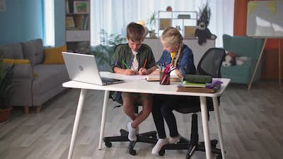 Home Distance Learning Online Children Learn to Draw By Drawing Picture with Colored Pencils Pupils