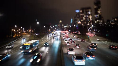 Chicago Verkehr bei Nacht