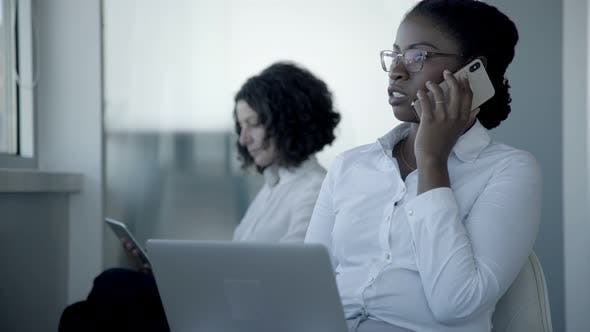 Cover Image for Multiethnic Businesswomen Using Digital Devices