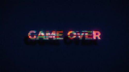 Game Over generiert mit Glitch-Effekt