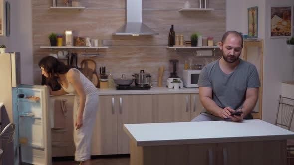 Wife Searching in Husband Phone