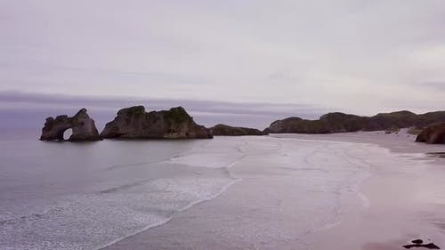 Descent to beautiful beach