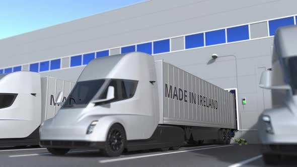 Thumbnail for Moderne LKW mit MADE IN IRELAND Text