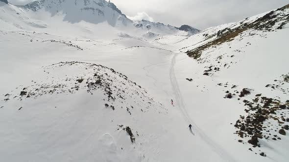 Thumbnail for Skiing in Peak Mountains