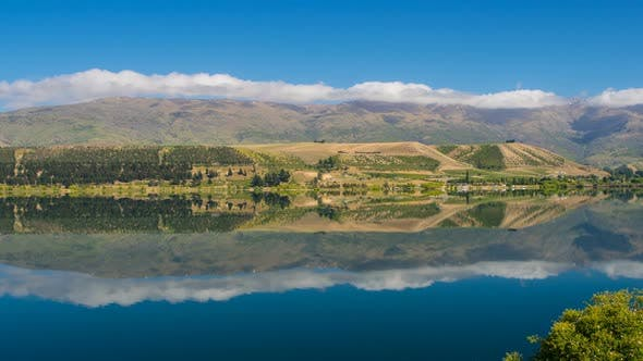 Neuseeland Landschaft mit einer idealen Reflexion auf dem See