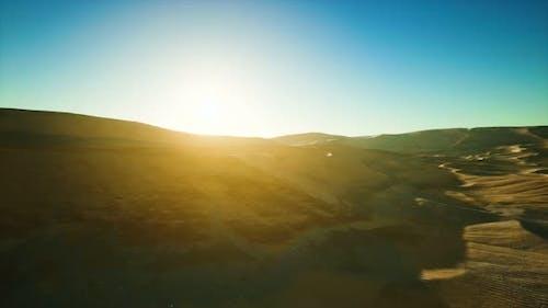 Schöne Sanddünen in der Sahara-Wüste