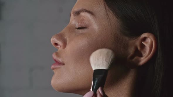 Thumbnail for Contouring Cheeks with Bronzer