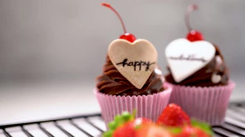 Happy Valentine's Cupcakes Zoom In
