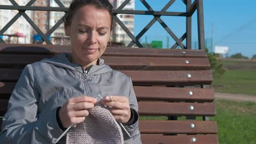 Knit on the open air