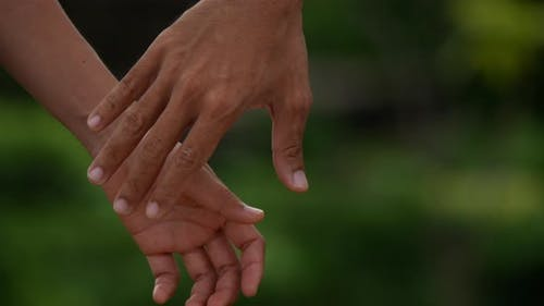 Hand in hand to encourage each other