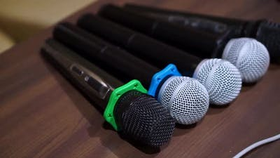 5 Microphones Microphones on the Table
