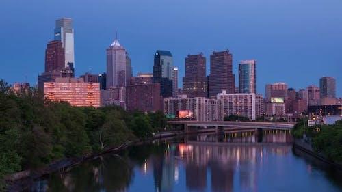 4 K Night Timelapse of Philadelphia Streets - Philly Timelaspe - Pennsylavania Usa