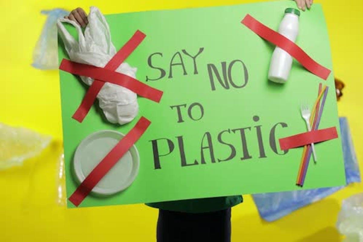 'Kiêng đồ nhựa' – chuyện của một người xả rác có tâm ở Sài Gòn