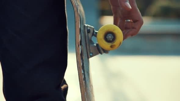 Thumbnail for Spinning Skateboard Wheel
