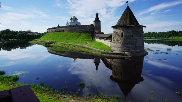 Thumbnail for Pskov Kremlin and Trinity Cathedral, Timelapse