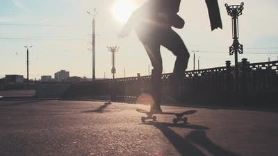 Skating in Urban Streets