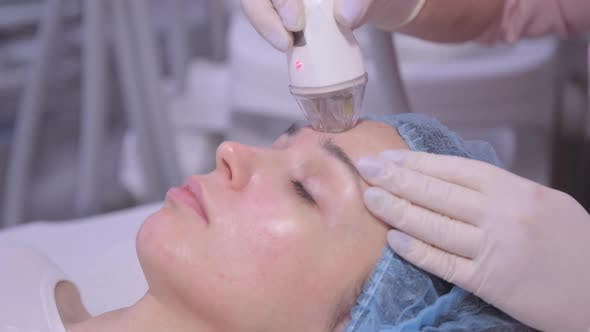 Professional Device for Face Cleansing