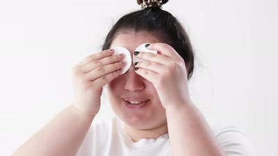 Facial Cleansing Skin Treatment Overweight Woman