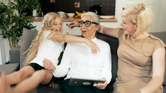Cover Image for Family Visiting Grandmother