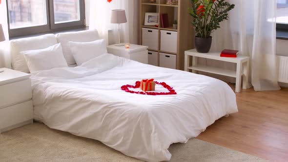 Cover Image for Cozy Bedroom Decorated for Valentines Day