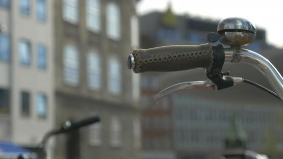 Bike handlebar and city