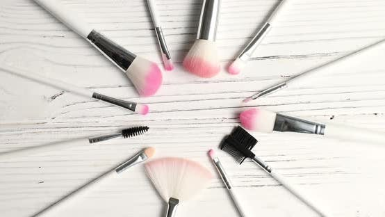 Thumbnail for Brushes for Makeup in Circle