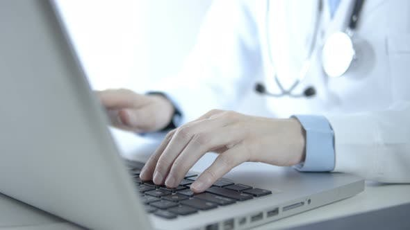 Doctor Use Computer