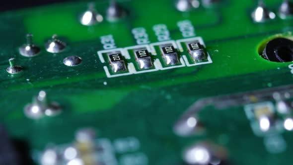Thumbnail for Elektronisch Chipplatte mit Kreisläufen, die um