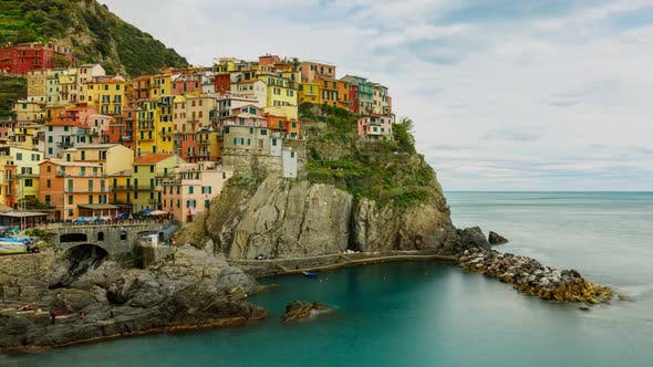 Thumbnail for Time Lapse of the beautiful and scenic seaside village of Manarola in Italy.
