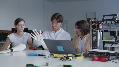 Teacher Explains the Work of 3D Printed Hands