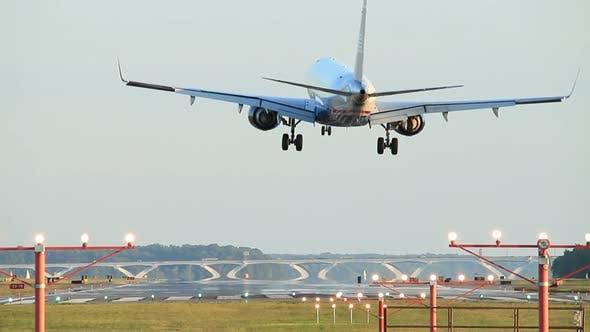 Thumbnail for Business jet plane landing.