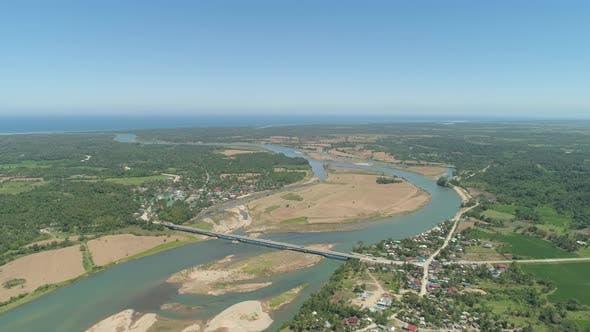 Thumbnail for Fluss fließt ins Meer