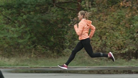 Overtaking on the Run
