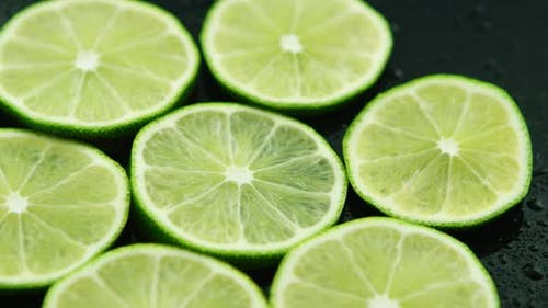 Scheiben saurer frischer Limette