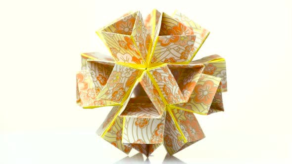 Beautiful Modular Origami Flower.