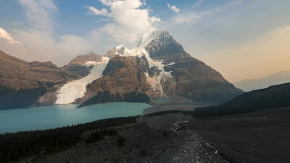 Thumbnail for Sunrise of Mount Robson and Berg Lake  Time Lapse