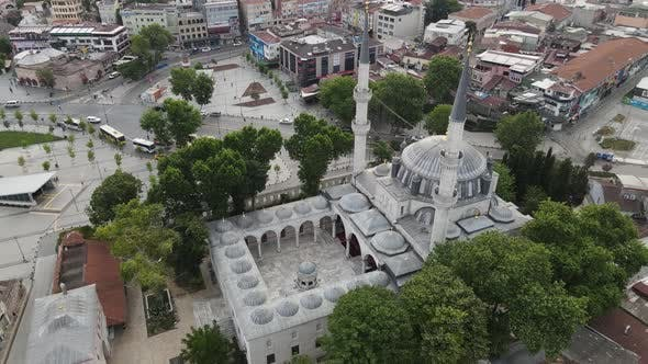 Thumbnail for Yeni Valide Mosque Uskudar of Istanbul Drone Shot