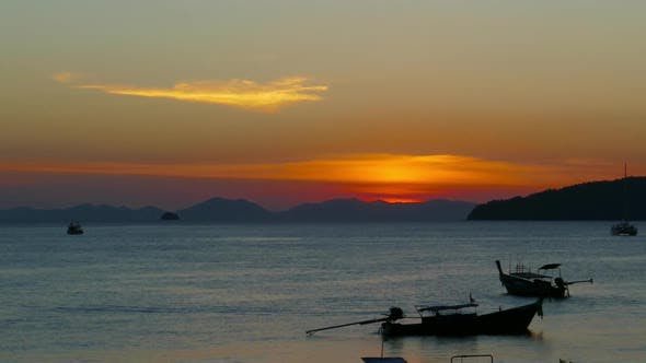 Cover Image for Long Tail Boats at Sunset, Thailand, Timelapse