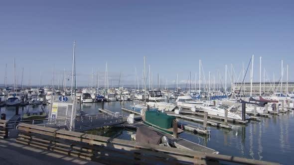 Marina mit Booten
