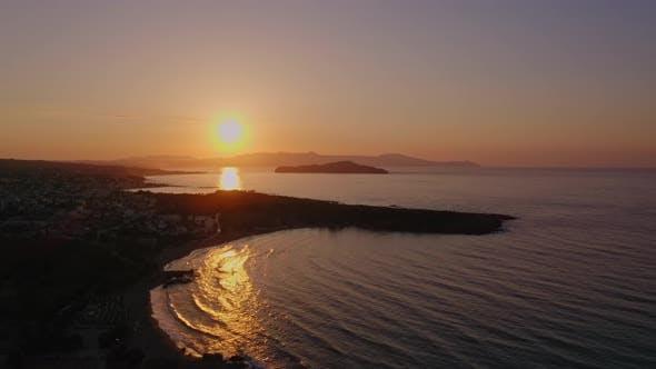 Drone Shot of Sunset à La Canée en Crète, Grèce