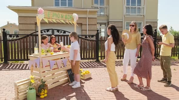 Outdoor Lemonade Market
