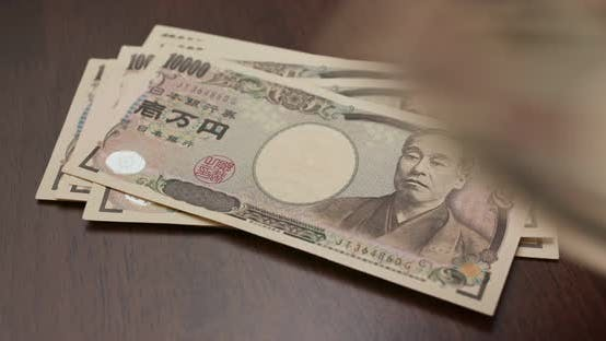 Thumbnail for Count with Japanese Yen banknote