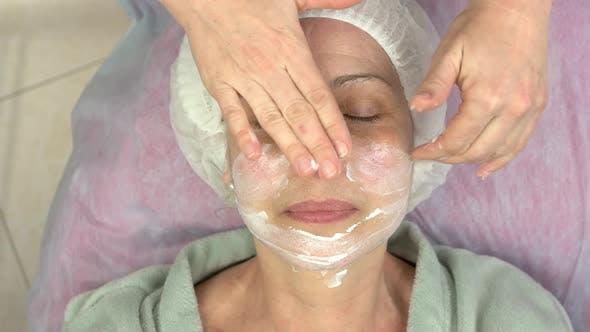 Reife Frau, Die Lymphmassage