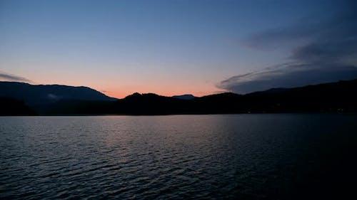 Sonnenuntergang auf dem See