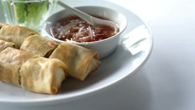 Fried spring roll with sauce