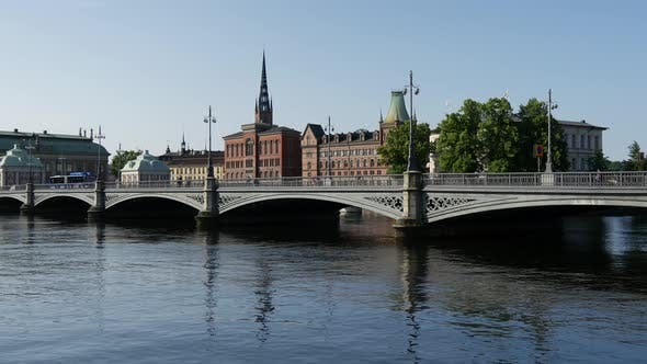 Thumbnail for The Riddarholm Church and the Vasabron bridge in Stockholm