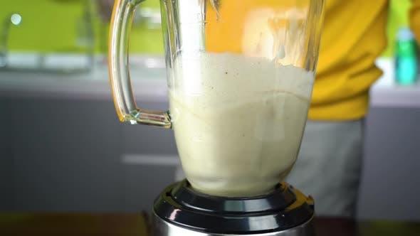 Thumbnail for Grind Bananas in a Blender
