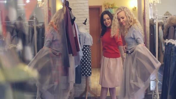 Pretty Shoppers