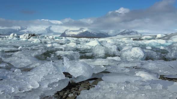 Thumbnail for Low angle slide from the Jökulsárlón Glacier lagoon